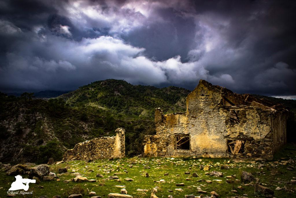Cortijo de Cozorla (Sierra de Tejada, Almijara y Alhama de Granada)